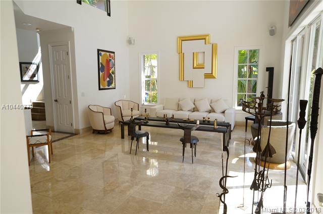 19460 39th Ct, Sunny Isles Beach, FL 33160 (MLS #A10440773) :: Live Work Play Miami Group