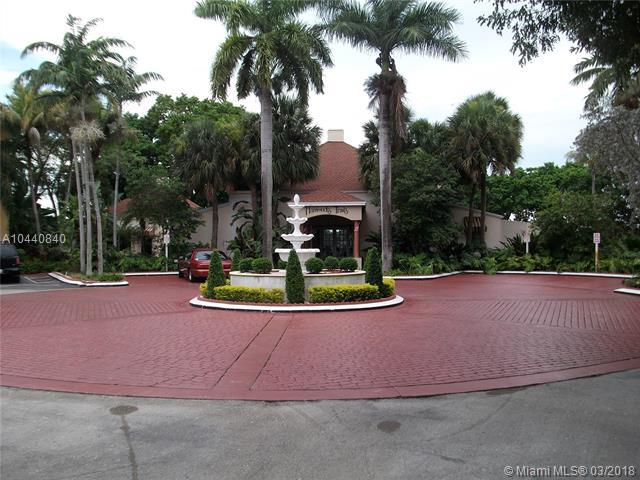15320 SW 106th Ter #1104, Miami, FL 33196 (MLS #A10440840) :: Calibre International Realty