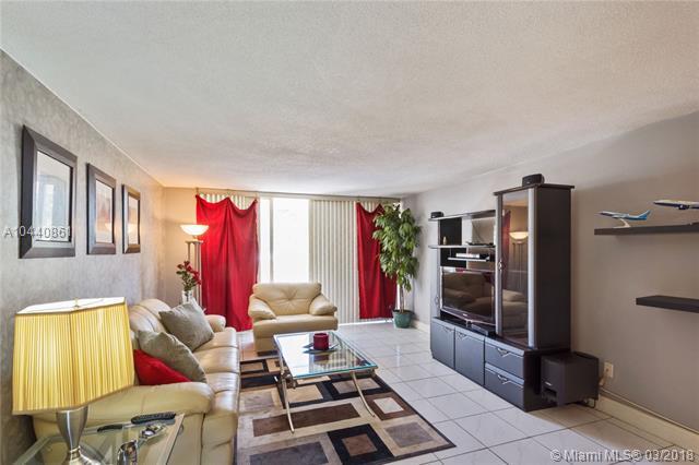 1401 NE 191st St D116, Miami, FL 33179 (MLS #A10440861) :: Calibre International Realty