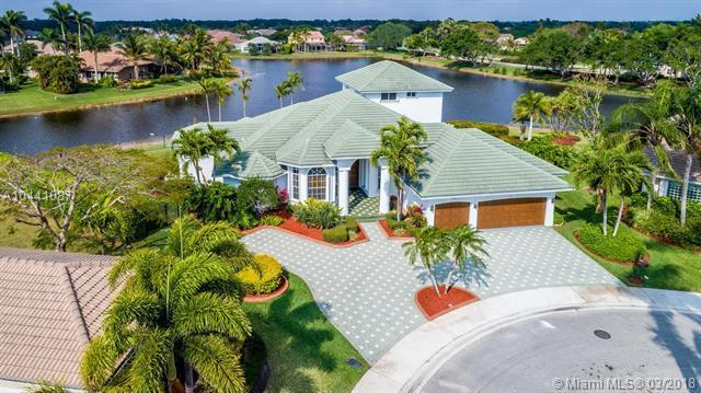 347 Mallard Rd, Weston, FL 33327 (MLS #A10441087) :: Green Realty Properties