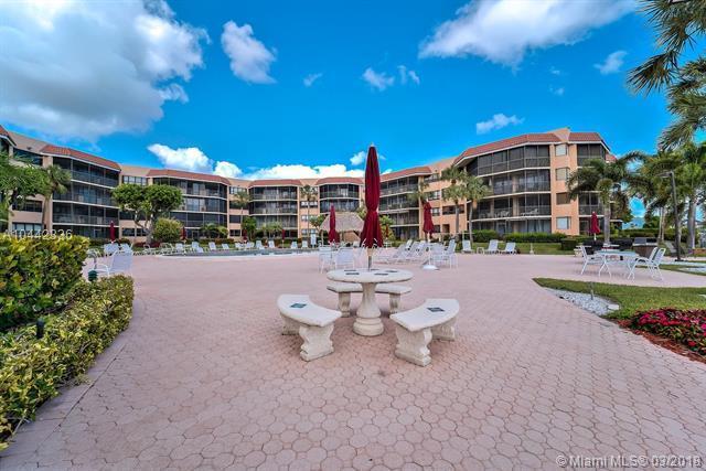 800 Jeffery St #404, Boca Raton, FL 33487 (MLS #A10442336) :: Stanley Rosen Group