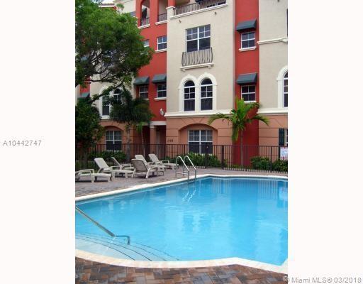1033 NE 17th Way #1302, Fort Lauderdale, FL 33304 (MLS #A10442747) :: Stanley Rosen Group