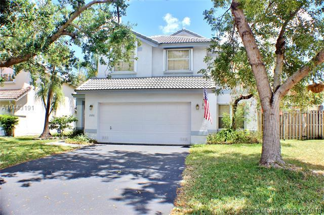 2880 NW 69th Ter, Margate, FL 33063 (MLS #A10443191) :: Calibre International Realty