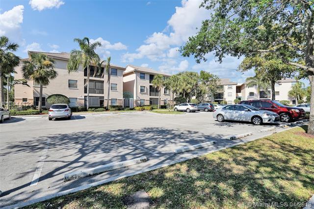 4121 Coral Tree Cir #237, Coconut Creek, FL 33073 (MLS #A10444122) :: Stanley Rosen Group