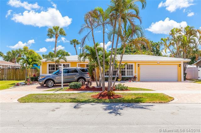 4410 NW 9th St, Coconut Creek, FL 33066 (MLS #A10444269) :: Stanley Rosen Group
