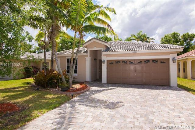 18326 NW 6th St, Pembroke Pines, FL 33029 (MLS #A10445552) :: The Teri Arbogast Team at Keller Williams Partners SW