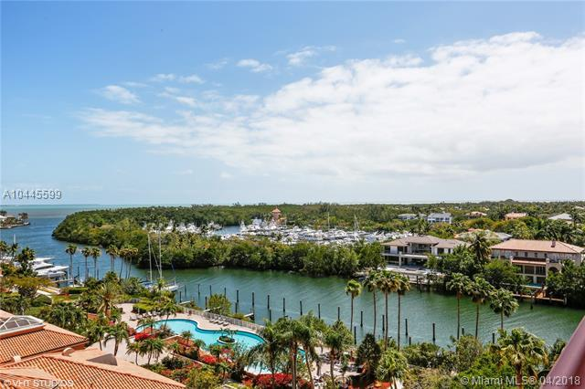 60 Edgewater Dr 8D, Coral Gables, FL 33133 (MLS #A10445599) :: Stanley Rosen Group