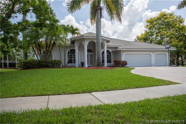 7185 NW 68 Drive, Parkland, FL 33067 (MLS #A10445858) :: Stanley Rosen Group