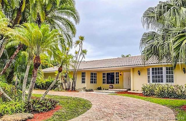 11085 Paradela St, Coral Gables, FL 33156 (MLS #A10445871) :: Hergenrother Realty Group Miami