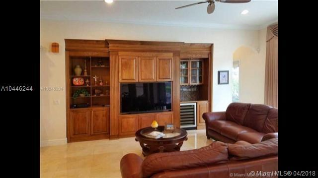 4793 Sunkist Way, Cooper City, FL 33330 (MLS #A10446244) :: Green Realty Properties