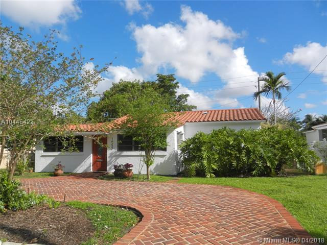 1957 Westward Dr, Miami Springs, FL 33166 (MLS #A10446422) :: Hergenrother Realty Group Miami