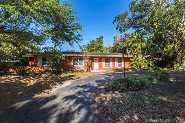 9800 SW 69th Ave, Pinecrest, FL 33156 (MLS #A10446449) :: Carole Smith Real Estate Team
