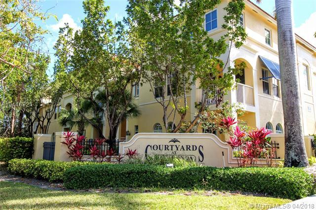 110 Jacaranda Country Club Dr 23-2, Plantation, FL 33324 (MLS #A10446921) :: Hergenrother Realty Group Miami