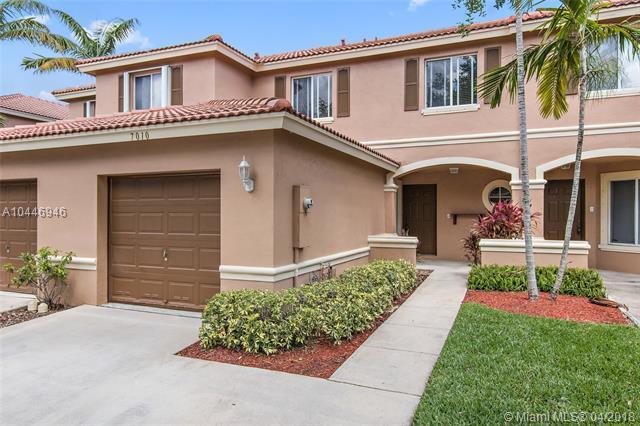 7010 Hawks Nest Ter, Riviera Beach, FL 33407 (MLS #A10446946) :: Stanley Rosen Group