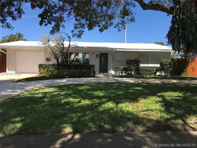 812 SE 9th Ave, Deerfield Beach, FL 33441 (MLS #A10447558) :: The Teri Arbogast Team at Keller Williams Partners SW