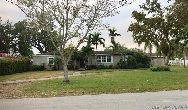 200 SW 66 Ave, Miami, FL 33144 (MLS #A10447668) :: The Teri Arbogast Team at Keller Williams Partners SW