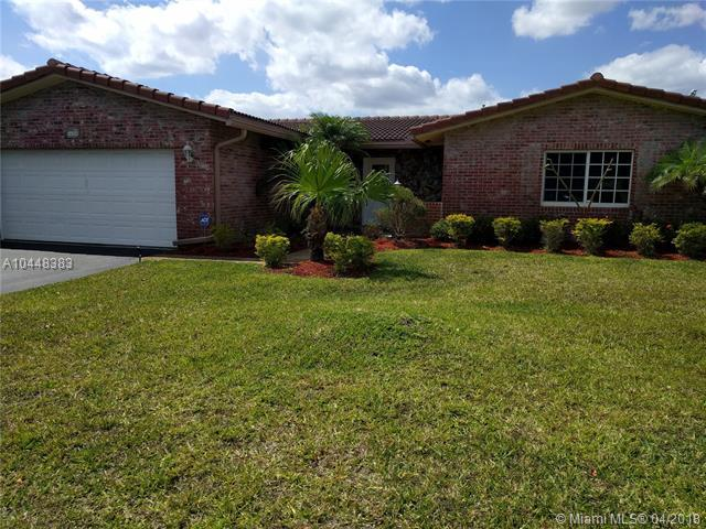 1624 NW 85th Dr, Coral Springs, FL 33071 (MLS #A10448383) :: Stanley Rosen Group