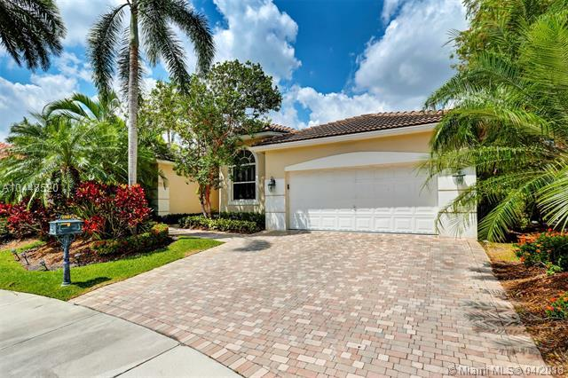 2561 Jardin Mnr, Weston, FL 33327 (MLS #A10448520) :: The Teri Arbogast Team at Keller Williams Partners SW