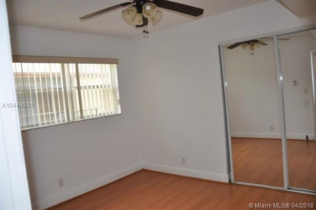 4445 Treehouse Ln E, Tamarac, FL 33319 (MLS #A10449030) :: Stanley Rosen Group