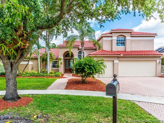 10883 Denver Dr, Cooper City, FL 33026 (MLS #A10449476) :: The Teri Arbogast Team at Keller Williams Partners SW