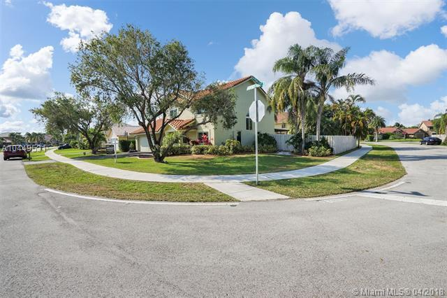 14101 Harpers Ferry St, Davie, FL 33325 (MLS #A10449531) :: Stanley Rosen Group