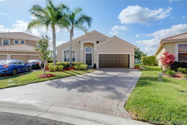 12112 NW 53rd St, Coral Springs, FL 33076 (MLS #A10449859) :: Stanley Rosen Group
