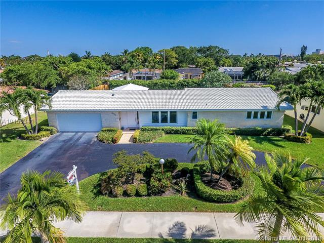 4111 Taylor St, Hollywood, FL 33021 (MLS #A10450341) :: Hergenrother Realty Group Miami