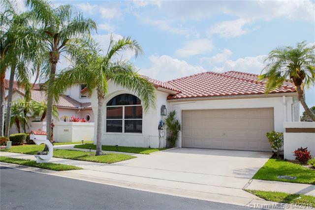 3098 Marion Ave, Margate, FL 33063 (MLS #A10450378) :: Stanley Rosen Group