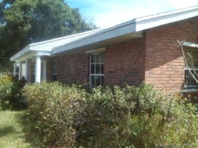 1558 SW Buckskin Trail, Stuart, FL 34997 (MLS #A10450394) :: Prestige Realty Group