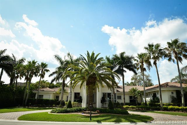 525 W Enclave Cir W, Pembroke Pines, FL 33027 (MLS #A10450546) :: Stanley Rosen Group
