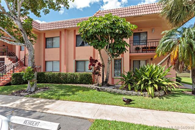 215 Lakeview Dr #206, Weston, FL 33326 (MLS #A10450605) :: Carole Smith Real Estate Team