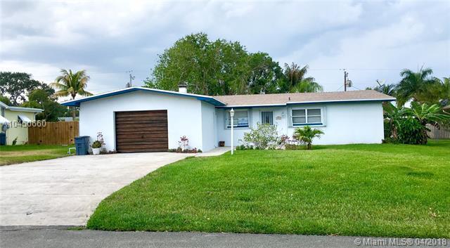 8867 SE Colony St, Hobe Sound, FL 33455 (MLS #A10450660) :: Prestige Realty Group