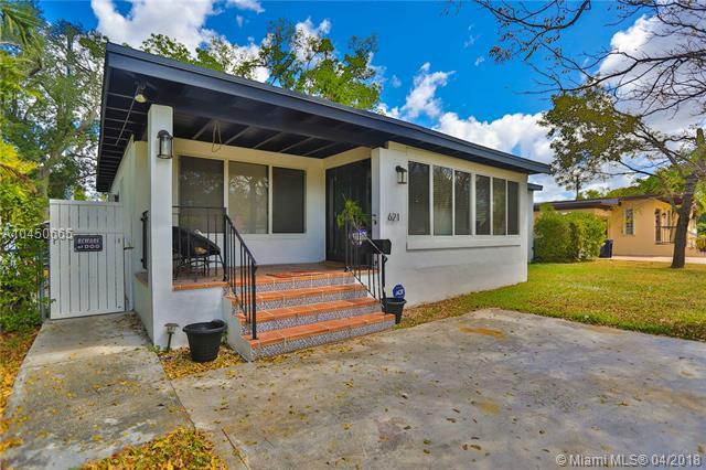 621 Raven Ave, Miami Springs, FL 33166 (MLS #A10450665) :: Hergenrother Realty Group Miami