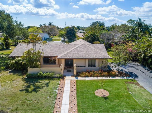 18262 S 104th Ter S, Boca Raton, FL 33498 (MLS #A10450805) :: Jamie Seneca & Associates Real Estate Team