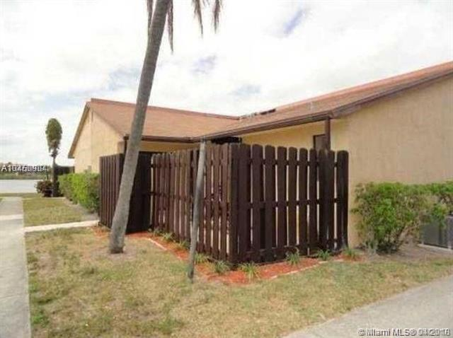 3704 Waterview Cir, Palm Springs, FL 33461 (MLS #A10450904) :: Green Realty Properties