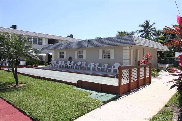 1560 Mckinley 103W, Hollywood, FL 33020 (MLS #A10451216) :: Stanley Rosen Group