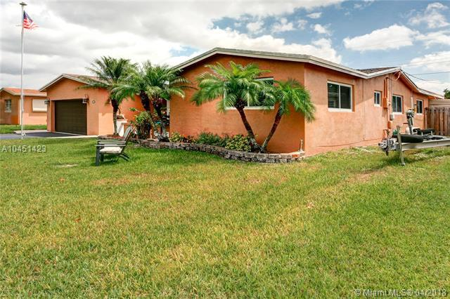 5300 SW 89th Ave, Cooper City, FL 33328 (MLS #A10451423) :: The Teri Arbogast Team at Keller Williams Partners SW