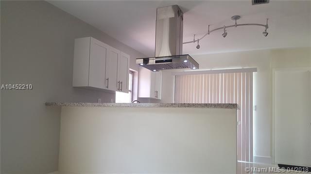 7205 NW 84th St, Tamarac, FL 33321 (MLS #A10452210) :: Green Realty Properties