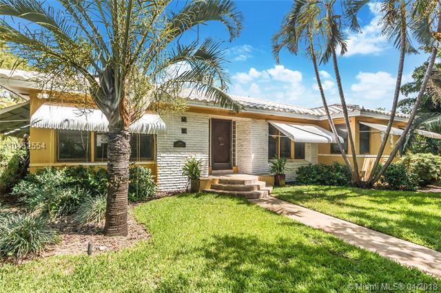 1659 Washington St, Hollywood, FL 33020 (MLS #A10452554) :: Stanley Rosen Group