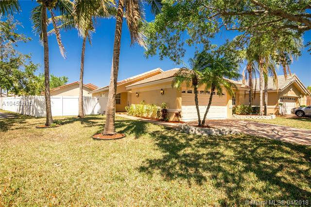 17693 SW 5th St, Pembroke Pines, FL 33029 (MLS #A10452616) :: Hergenrother Realty Group Miami