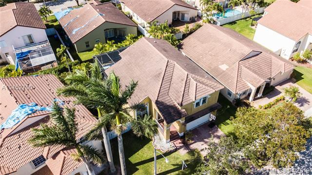 18410 NW 10th St, Pembroke Pines, FL 33029 (MLS #A10452700) :: Hergenrother Realty Group Miami