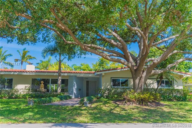 7761 SW 134th Ter, Pinecrest, FL 33156 (MLS #A10452747) :: Carole Smith Real Estate Team