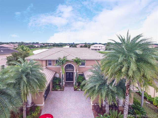 19456 N Coquina Way, Weston, FL 33332 (MLS #A10452882) :: Green Realty Properties
