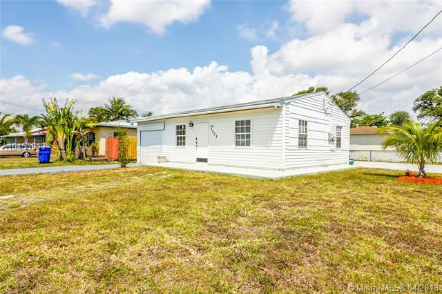 2505 Grant St, Hollywood, FL 33020 (MLS #A10453013) :: Hergenrother Realty Group Miami