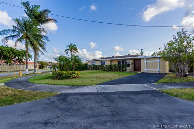 830 SW 93rd Ave, Miami, FL 33174 (MLS #A10453211) :: Stanley Rosen Group