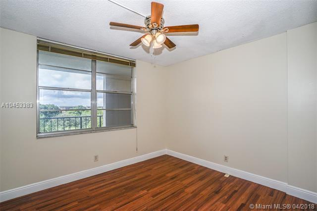 2601 NW 48th Ter #450, Lauderdale Lakes, FL 33313 (MLS #A10453383) :: Hergenrother Realty Group Miami