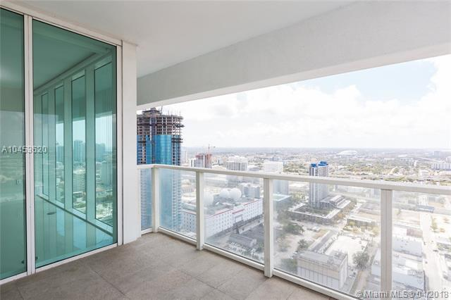 1040 Biscayne Blvd #4006, Miami, FL 33132 (MLS #A10453620) :: Calibre International Realty
