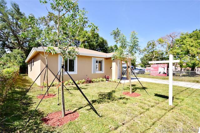 813 NW 56th St, Miami, FL 33127 (MLS #A10453957) :: Carole Smith Real Estate Team