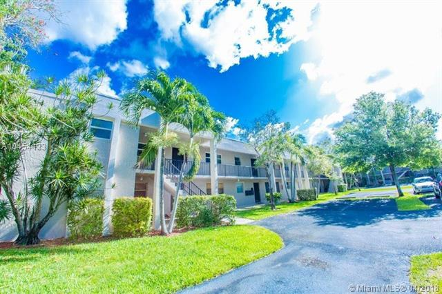 8507 Old Country Mnr #313, Davie, FL 33328 (MLS #A10454133) :: Hergenrother Realty Group Miami