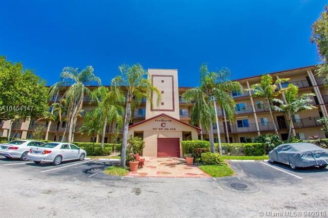 901 SW 138th Ave 309C, Pembroke Pines, FL 33027 (MLS #A10454147) :: The Teri Arbogast Team at Keller Williams Partners SW